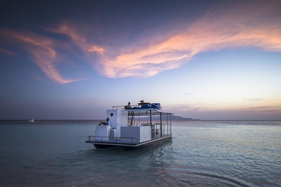 Sunset cruise at Amanpulo