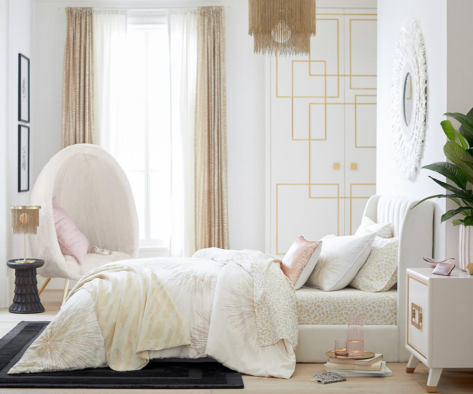 Rachel Zoe x Pottery Barn Teen bedroom