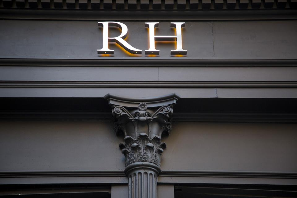 A Restoration Hardware Holdings Inc. Store Ahead of Earnings Figures