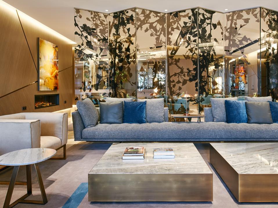 A look into the art at the VP Plaza España Design hotel.