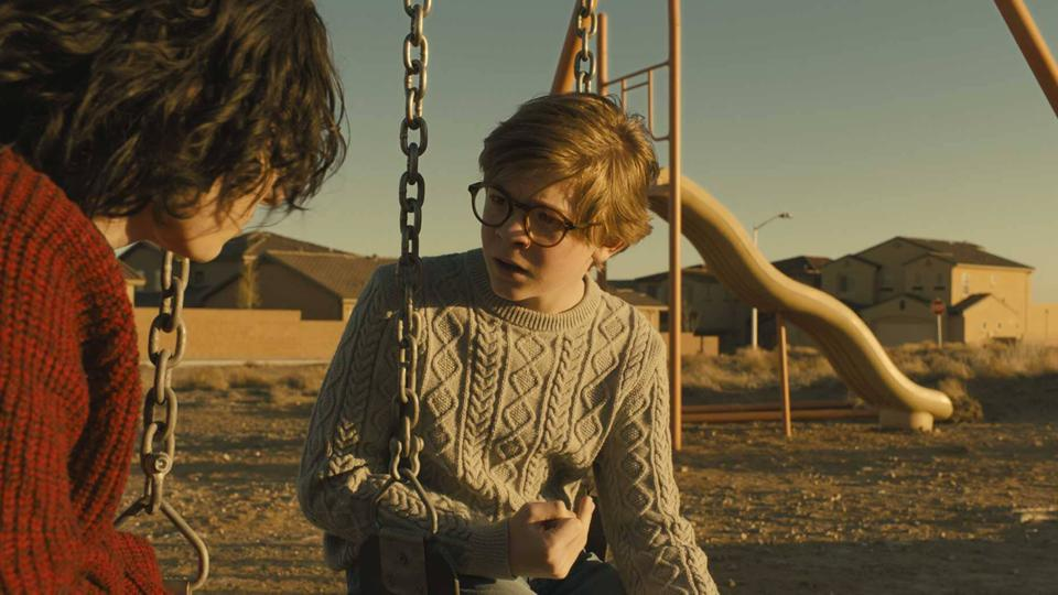Finn Wolfhard and Oakes Fegley in 'The Goldfinch'