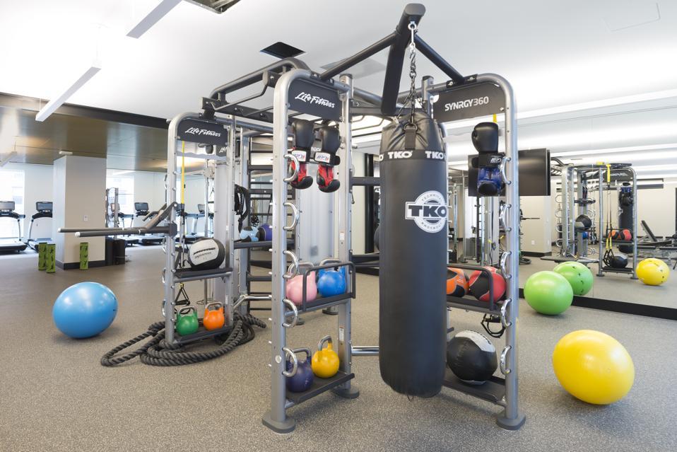 525 W 52nd Street apartment community gym