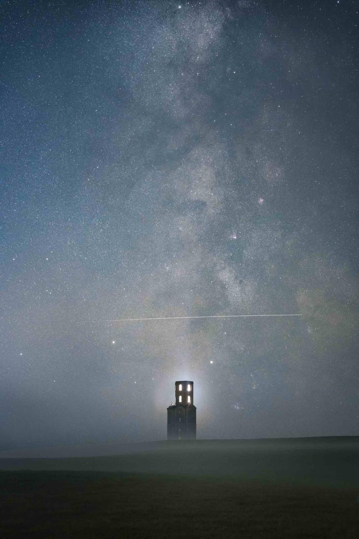 Above the Tower © Sam King (UK) - RUNNER-UP
