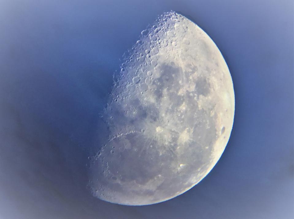 Van Eyck's Moon © Casper Kentish (UK), aged 9 - HIGHLY COMMENDED