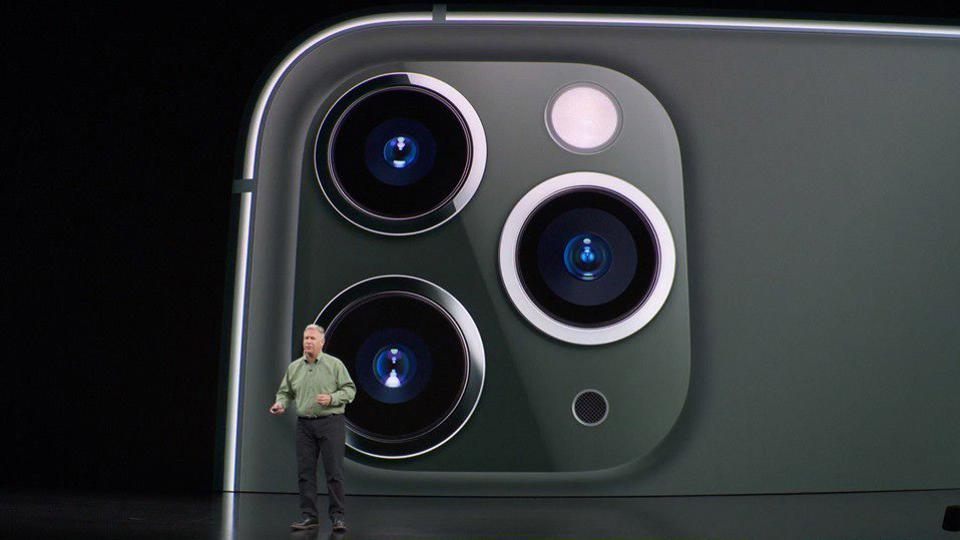 The Camera On The iPhone 11 Pro Looks Like Something Straight Out Of 'Armored Trooper VOTOMS'