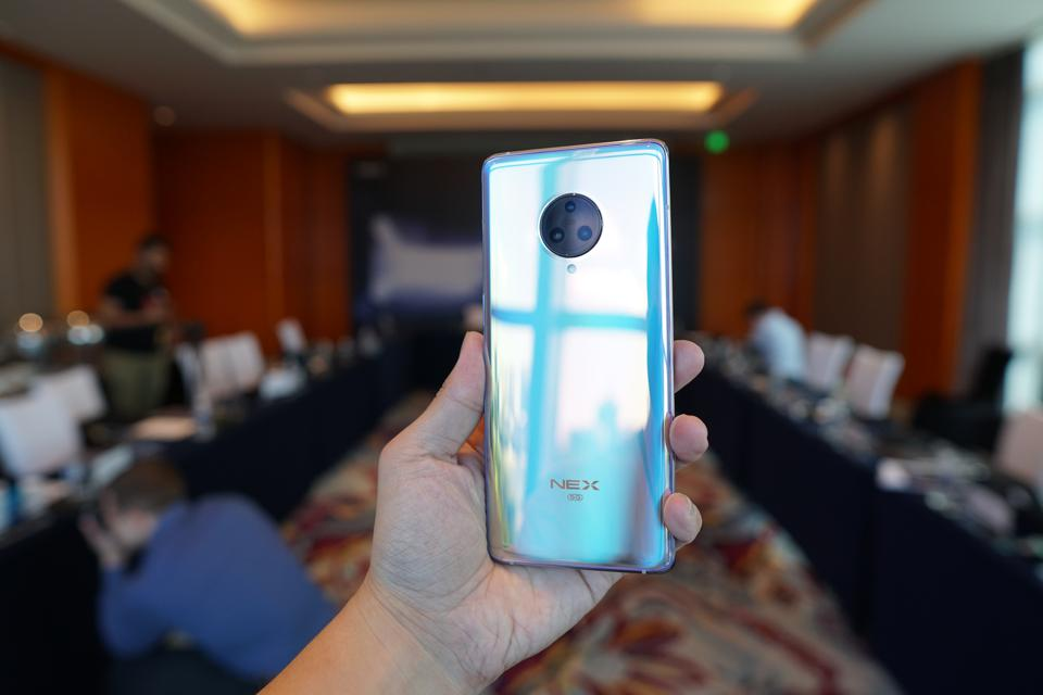 Another color of the Vivo Nex 3.