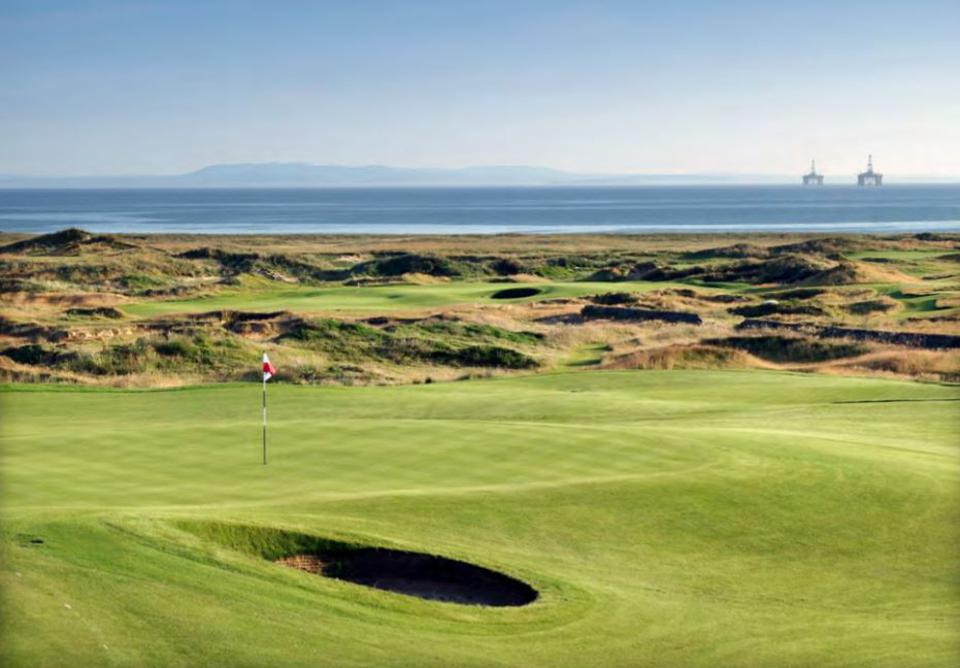 Dumbarnie Links is 20 minutes from St Andrews