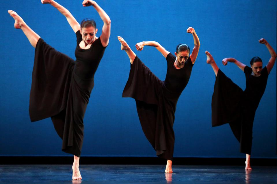 An image from Martha Graham's ″Steps in the Street″