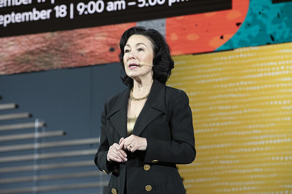At Oracle OpenWorld, Oracle CEO Safra Catz introduced product leaders from across the company who explained the benefits companies can gain from an integrated cloud.