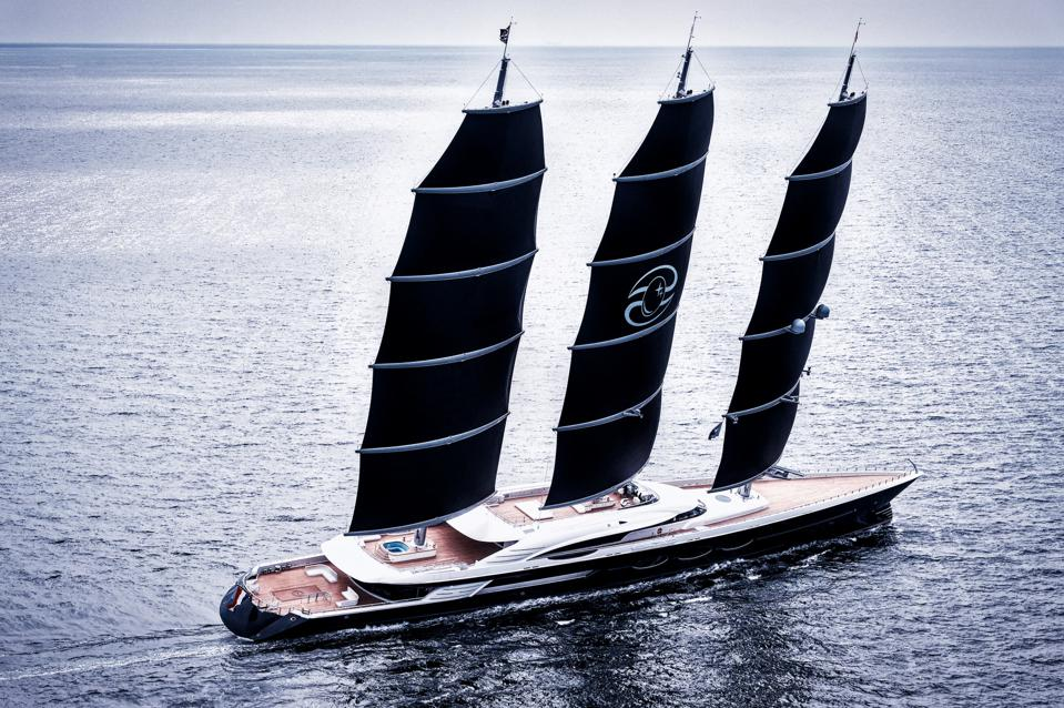 The largest sailboat in the world--the 360-foot long Black Pearl under full sail.