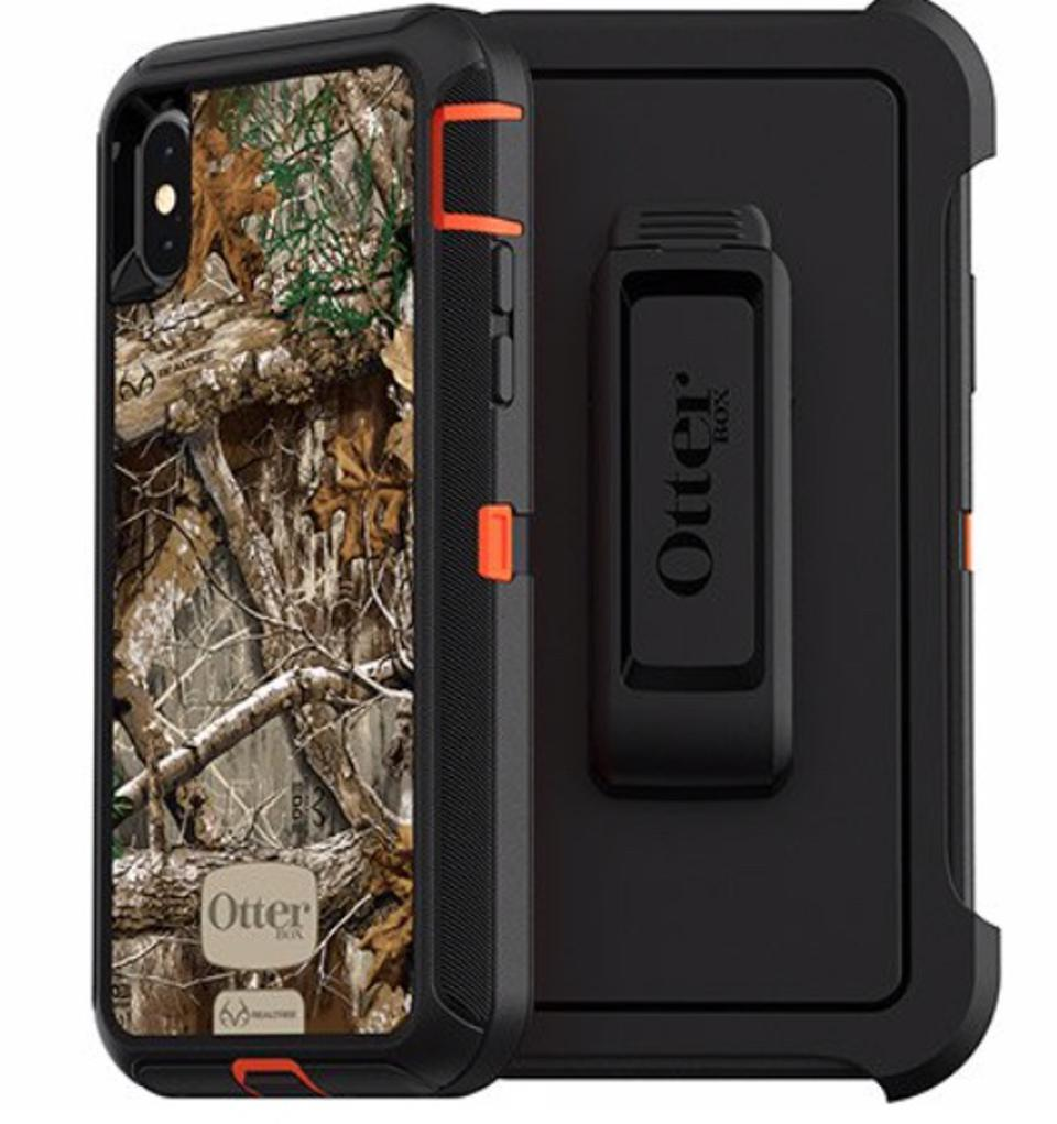 The Best Smartphone Cases For Hiking or The Outdoors