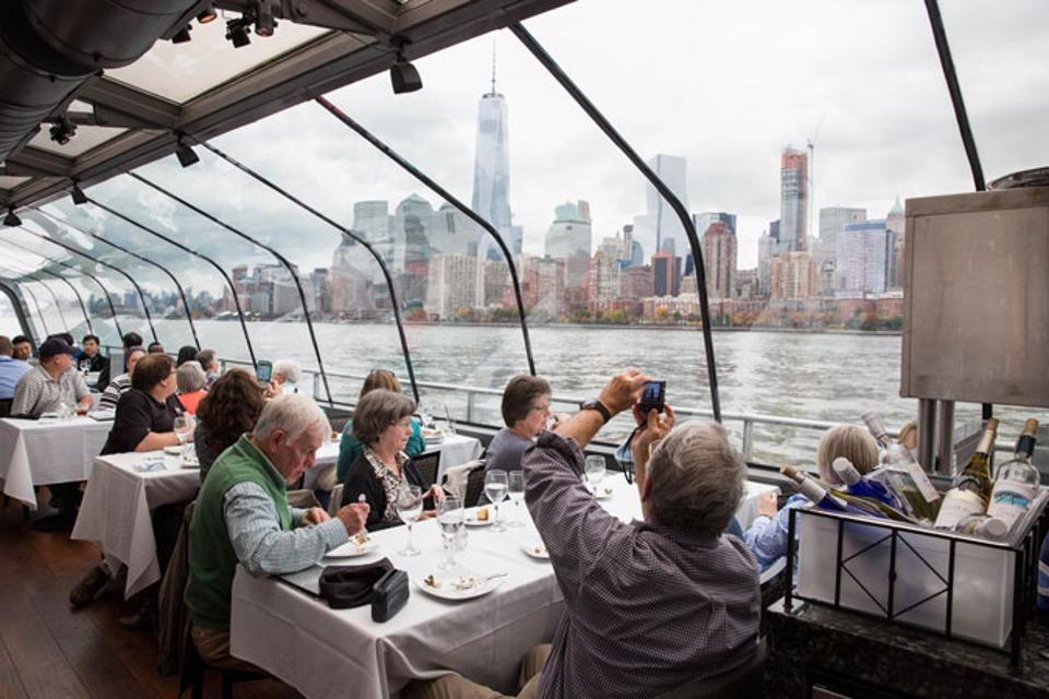 Delectable dining and iconic views are the perfect combination.