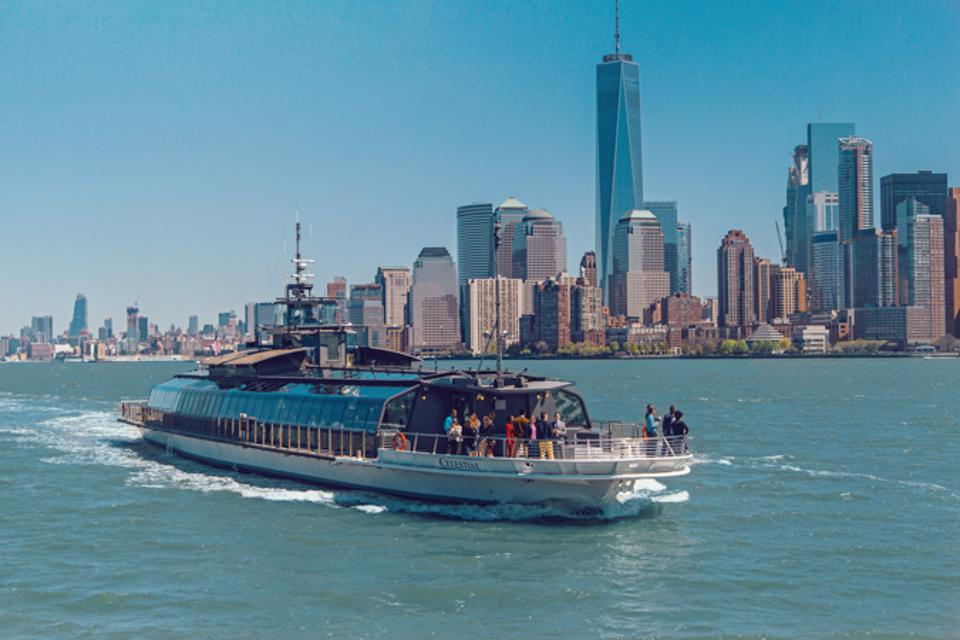 The Bateaux New York offers a luxurious cruising experience.