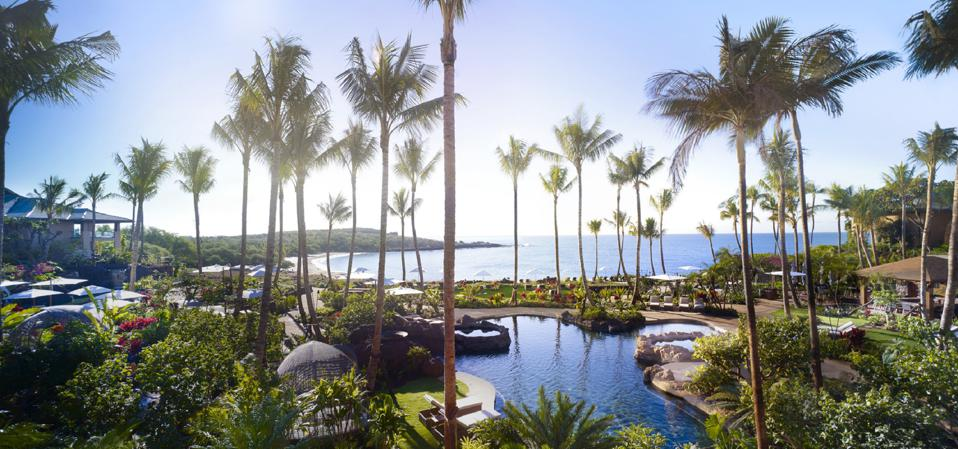 Pools and an ocean view at Four Seasons Lanai