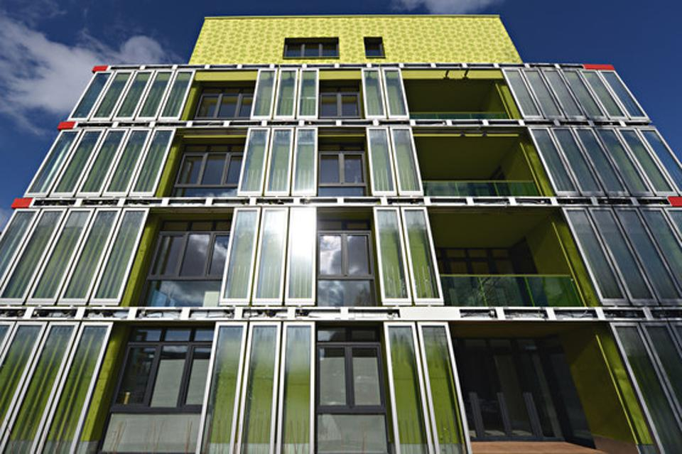 The BIQ House in Hamburg, Germany where panels of microalgae absorbs sunlight and passively generate heat for the entire building. This building is the first algae-powered building in the world.