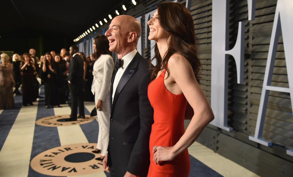 Jeff Bezos 2018 Vanity Fair Oscar Party Hosted By Radhika Jones - Roaming Arrivals
