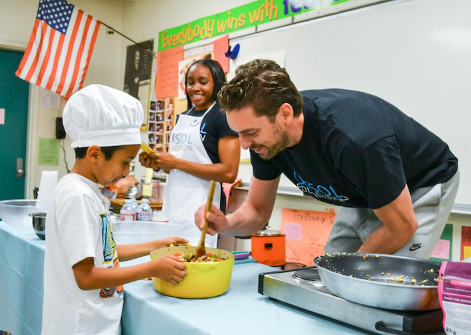 NBA All-Star Pau Gasol and his young sous-chefs know that good nutrition is the key to a strong, healthy body.