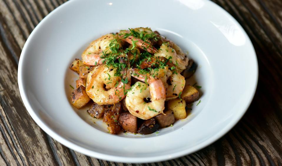 shrimp with potatoes in salsa macha