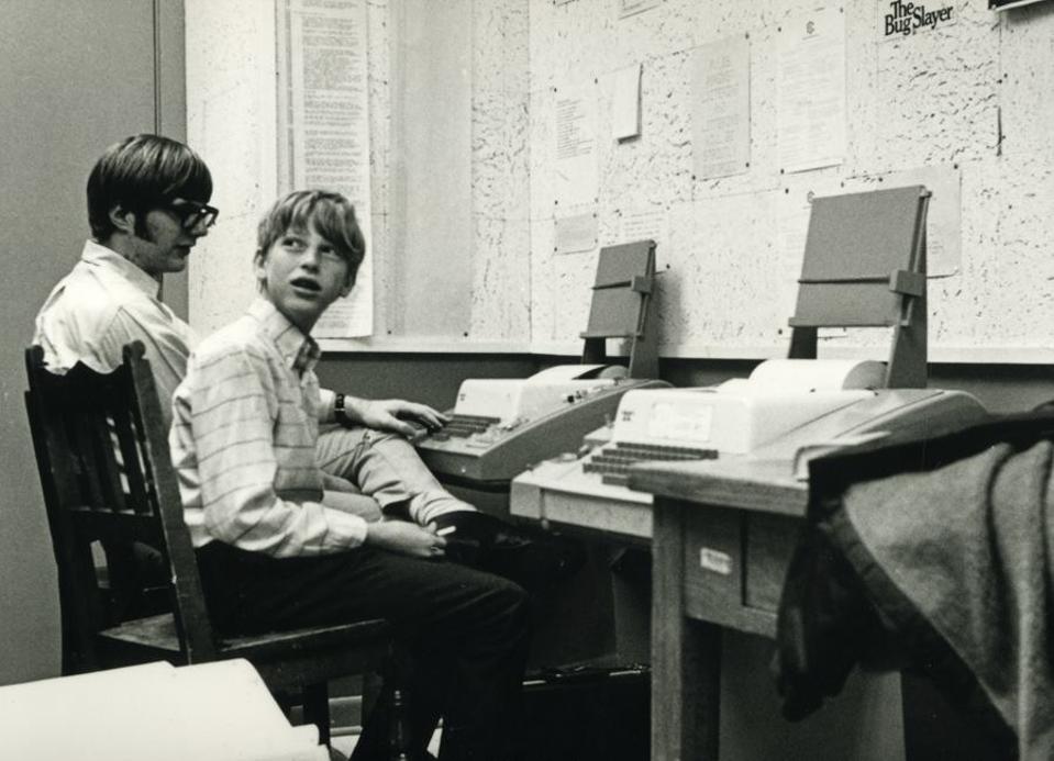 Bill Gates and Paul Allen develop Traf-O-Data in 1972