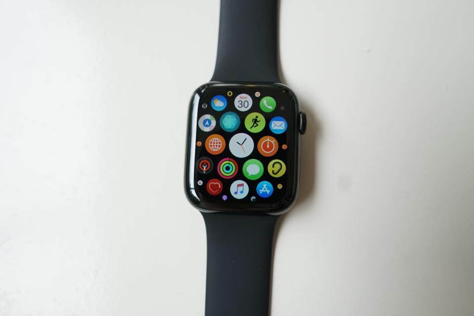Apple Watch 5 screen.