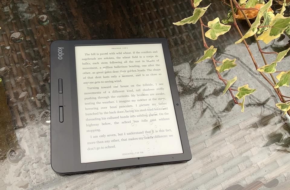 Review: Kobo Libra H2O Challenges Kindle Oasis Just In Time For Holiday Shopping