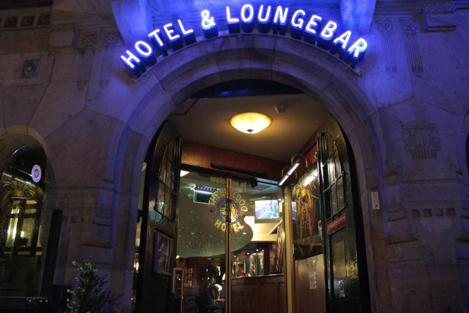 Amsterdam, The Bulldog Hotel & Loungebar, cannabis tourism, cannabis-friendly hotels