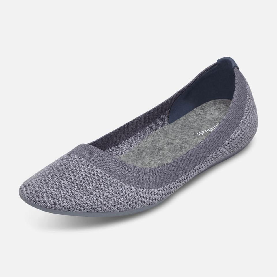 gray shoes
