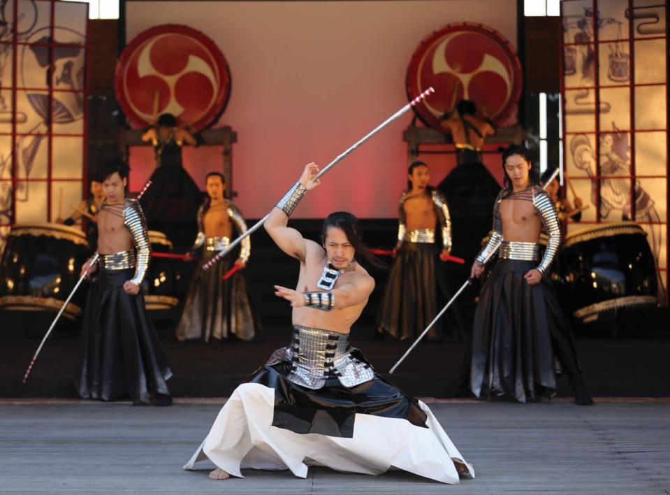 Learn to become a Samurai in a sword fighting lesson instructed by Tetsuro Shimaguchi.
