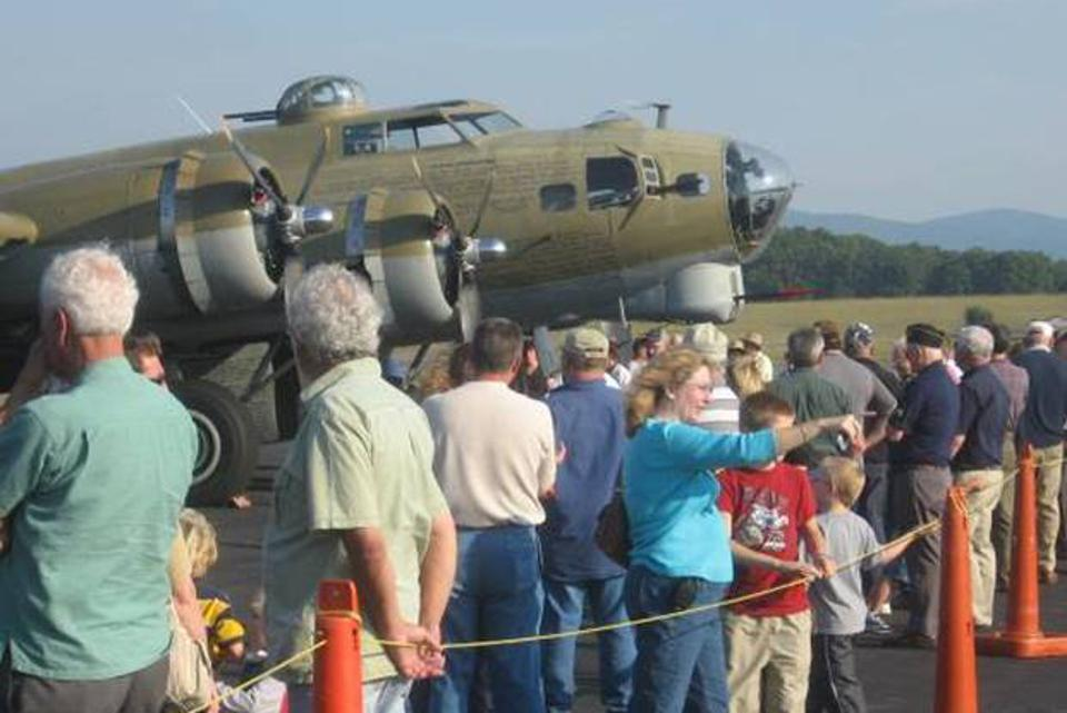 B-17 on 'Wings of Freedom' tour before the crash