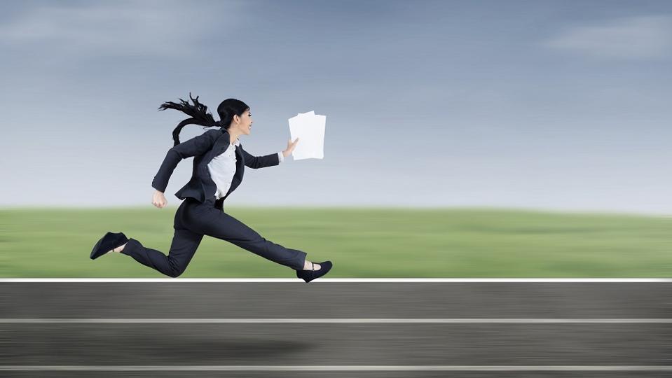 businesswoman-running-fast