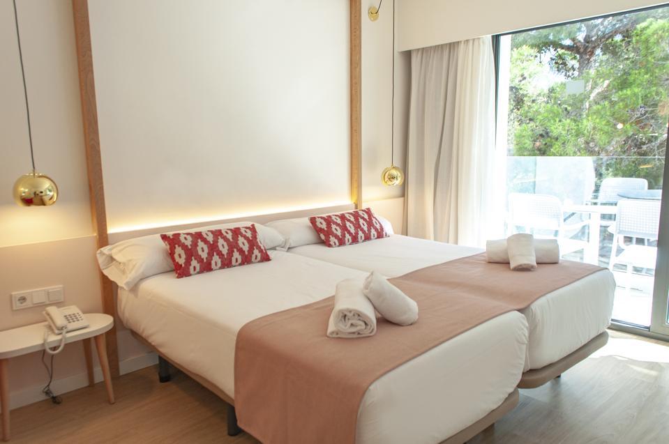 Som Doma, Som Hotels, women's travel, hotels