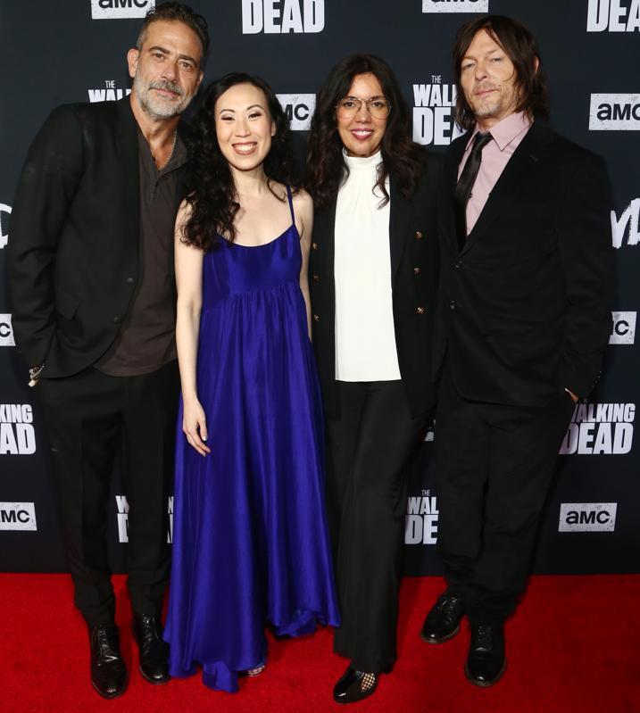 Jeffrey Dean Morgan, Angela Kang, Sarah Barnett og Norman Reedus på S10-premieren på ″ The Walking Dead. ″