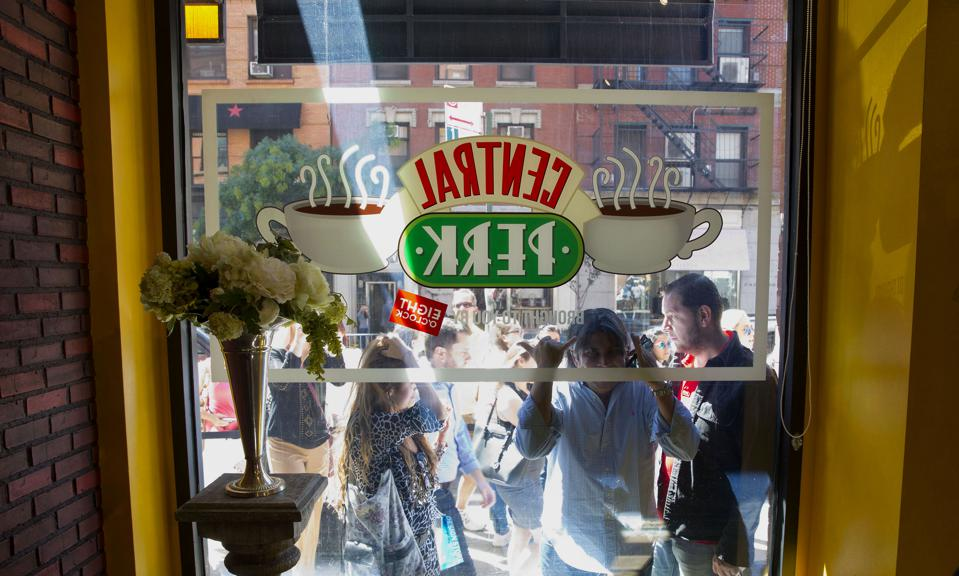Warner Brothers Opens Central Perk Replica For Friends 20th Anniversary