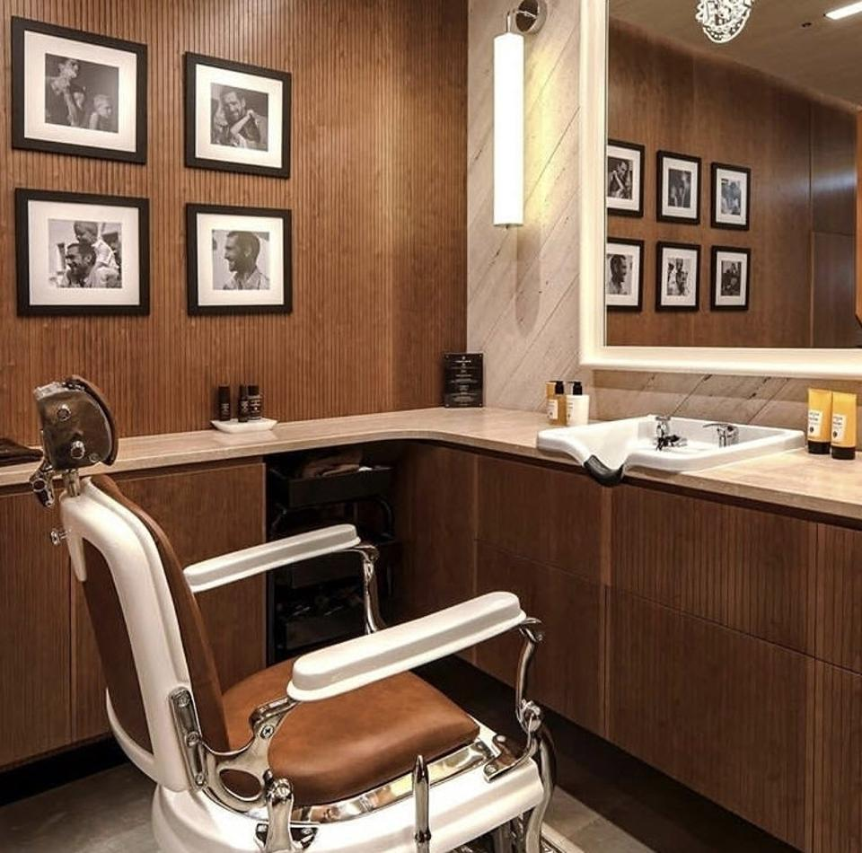 For gents, Acqua di Parma has a secret grooming station inspired by an authentic Italian barbershop for a fresh cut or shave before a night out.