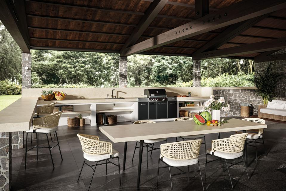 Porcelain countertops in outdoor kitchen
