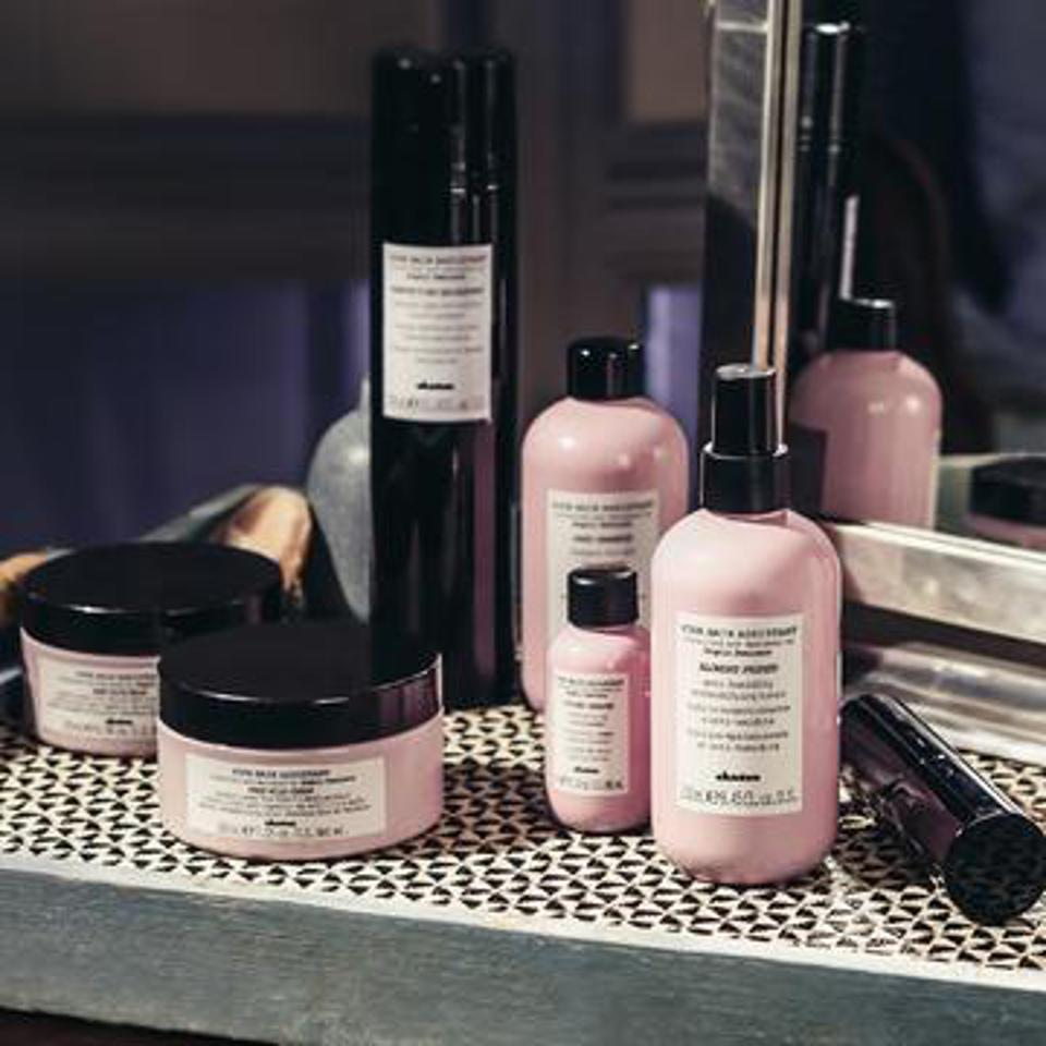 Your Hair Assistant Perfecting Hairspray by Davines