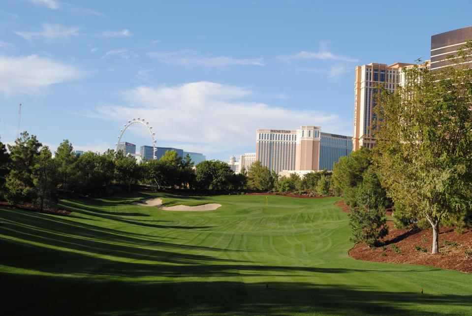 The par-3 second hole at the Wynn Las Vegas