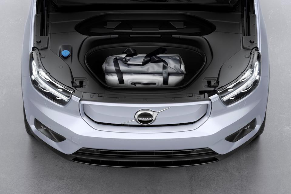 The front trunk of the XC40 Recharge.
