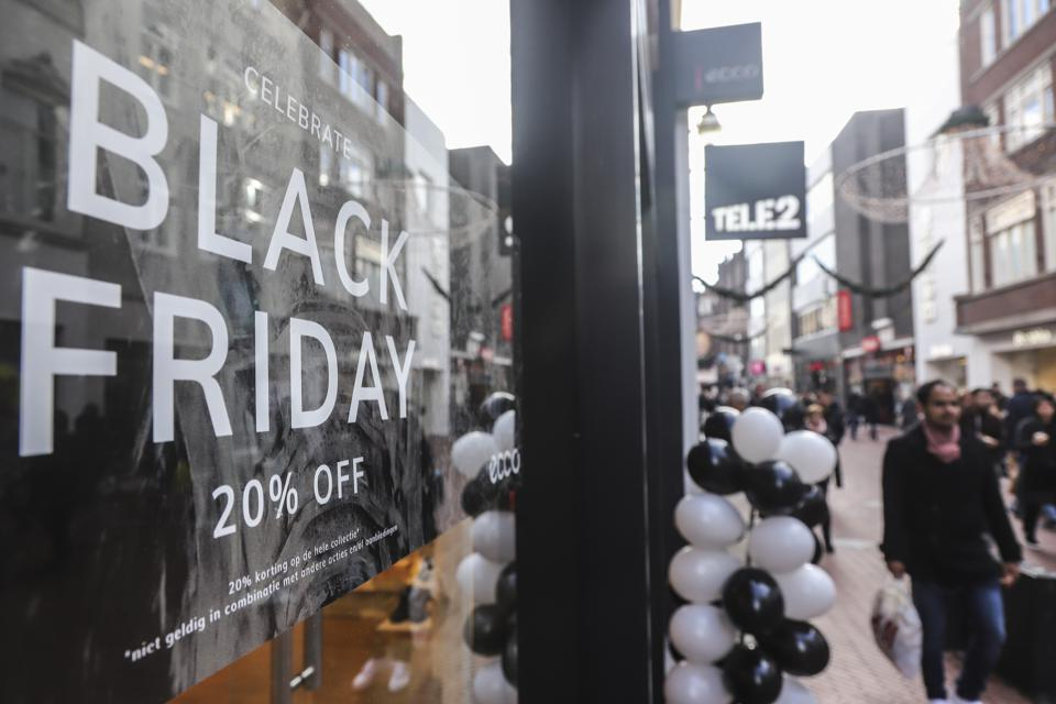 5 Tech Features That Will Drive Sales On Black Friday And Cyber Monday
