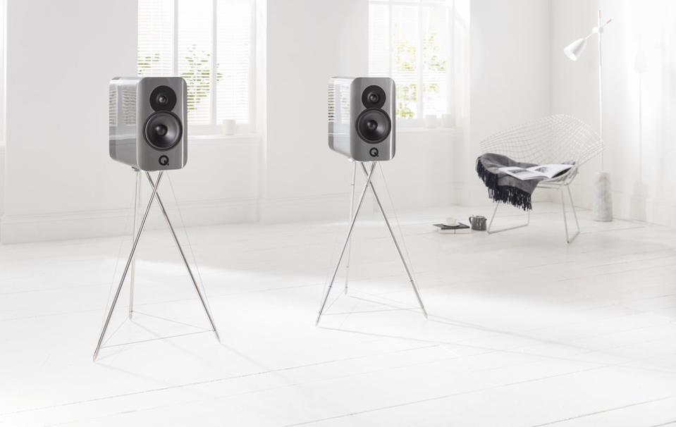 Q Acoustics Concept 300 in living room