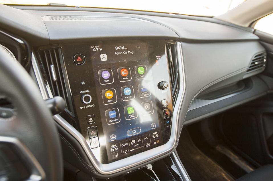 2020 Subaru Legacy 2.5i Premium Touchscreen and dashboard