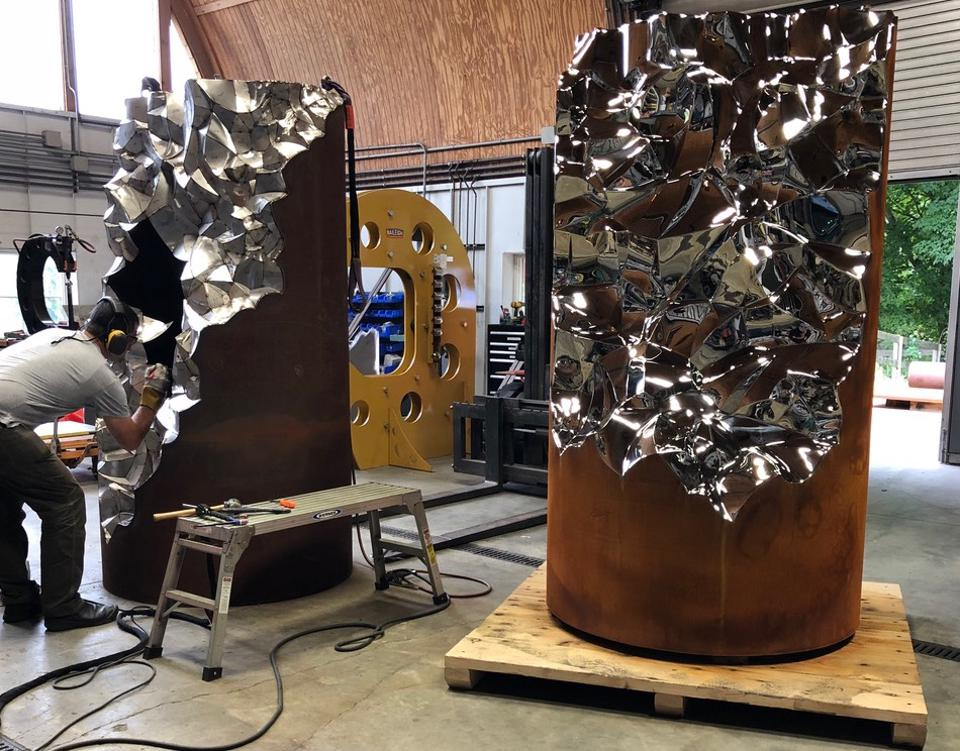 Work on Jonathan Prince's ″Shatter″ sculptures in his studio