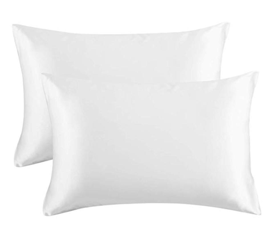 two pillowas