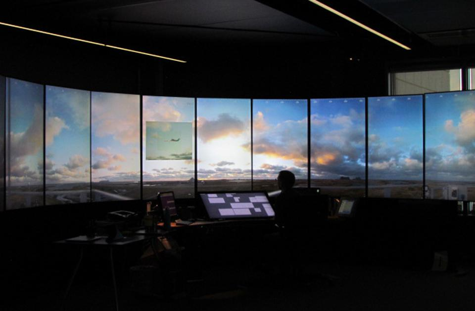 The Widerøe flight was monitored from the new virtual control tower in Bodø.