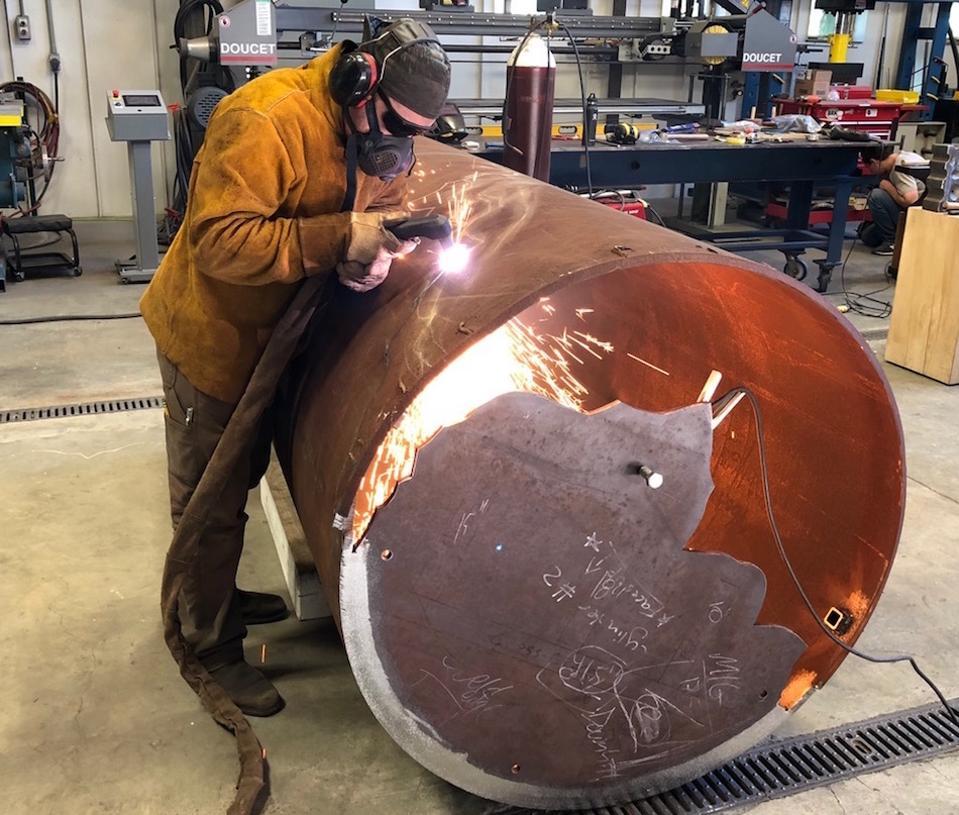Jonathan Prince working with COR-TEN steel in his studio in the Berkshires