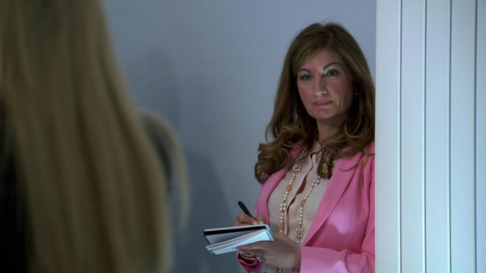 Karren Brady overseed a team during The Apprentice episode 4.