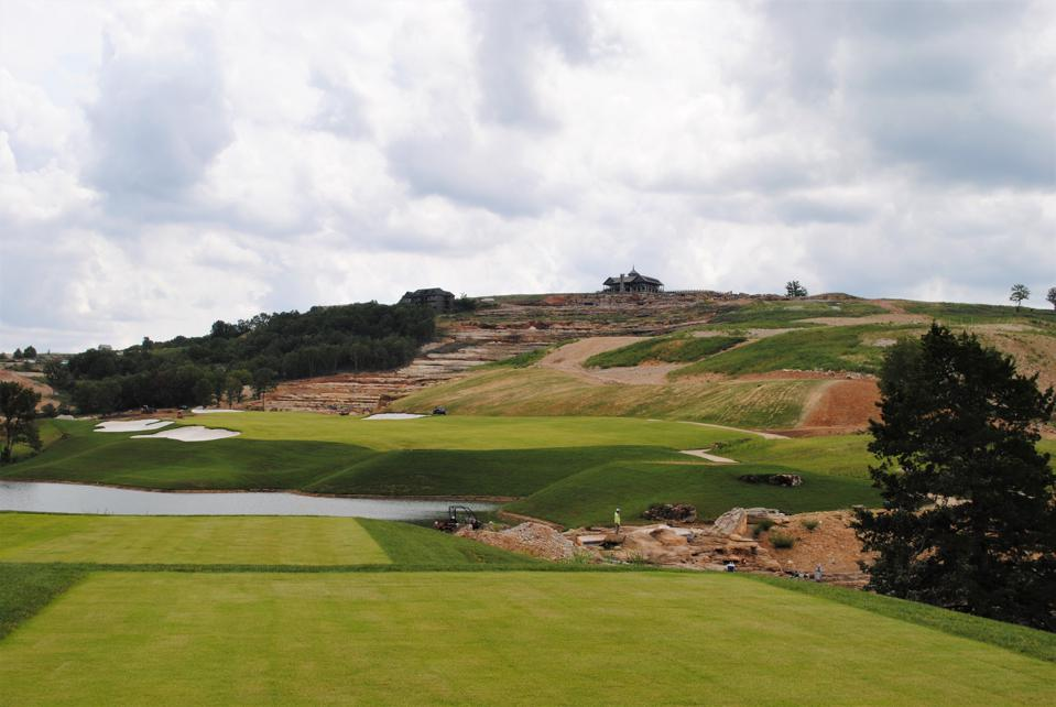 The 18th hole at Payne's Valley
