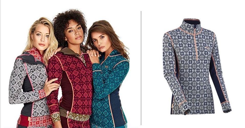 Women in Kari Traa wool half zip baselayer in Rose print