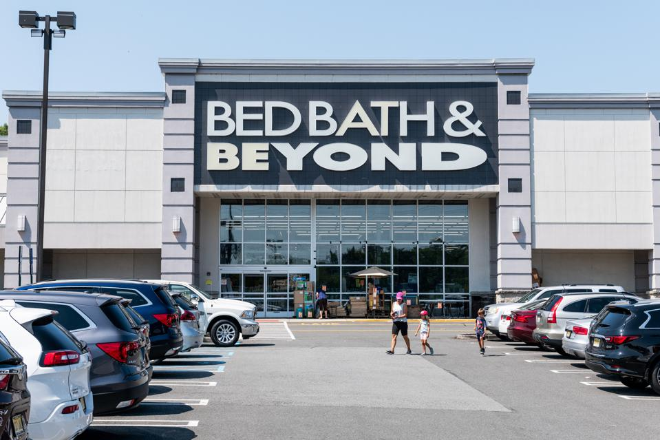 1,000 Bed, Bath & Beyond stores are estimated to produce at least $500 million of EBITDA.