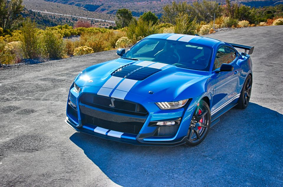 2020 Ford Shelby GT500 - Finally An All-Around Sports Car